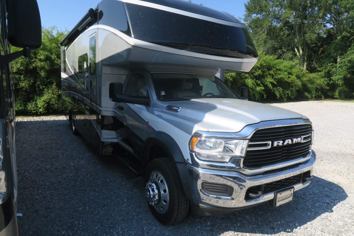 New 2021 Isata 5 Dodge Cummins 30fwd Overview Berryland Campers