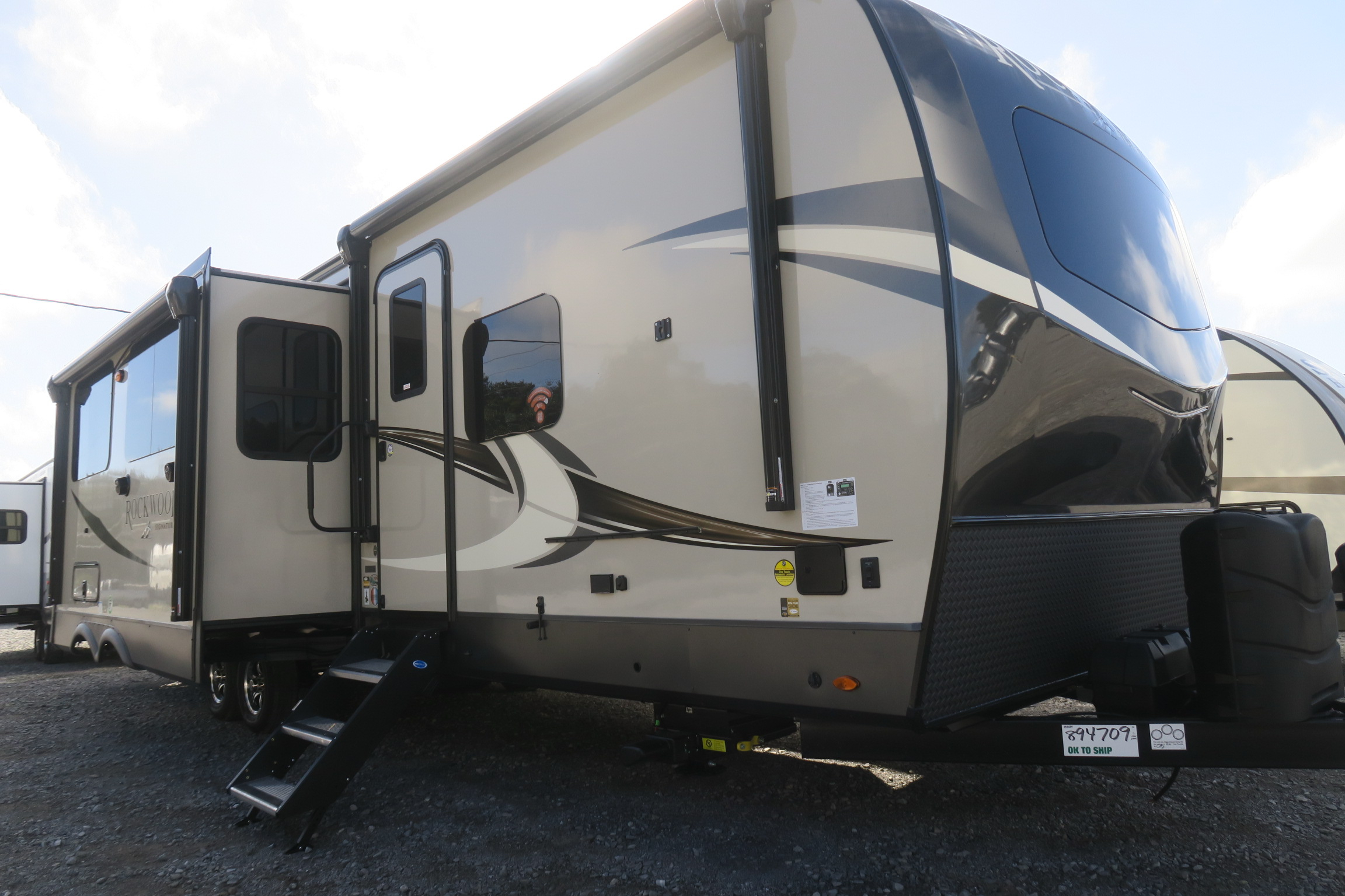NEW 2021 ROCKWOOD SIGNATURE ULTRA LITE 8336BH - Overview ...