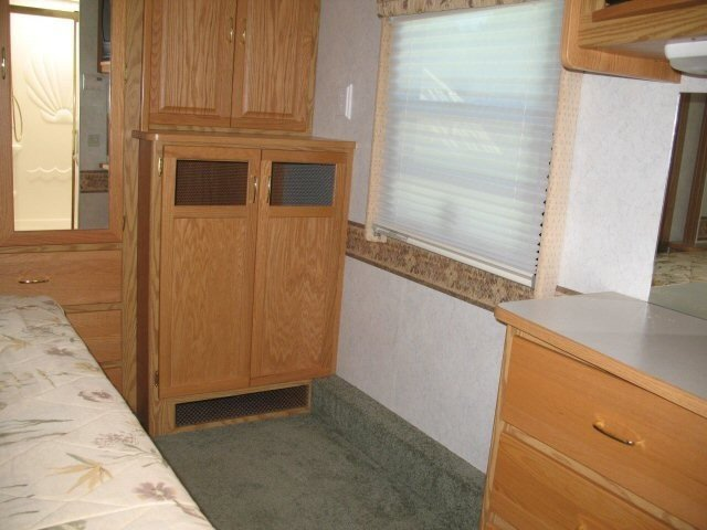 USED 2003 ITASCA BY WINNEBAGO SUNRISE 34D - Overview