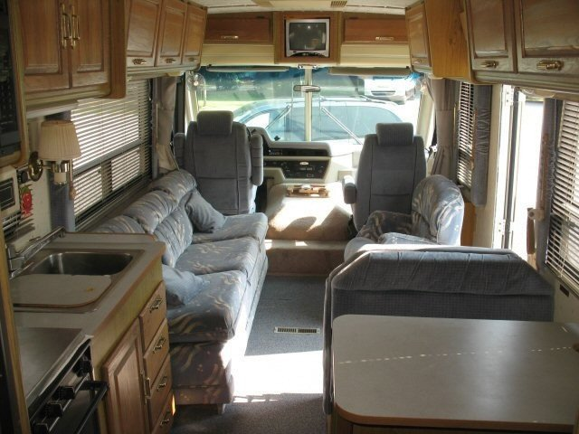 USED 1990 ITASCA BY WINNEBAGO SUNFLYER 33RQ - Overview