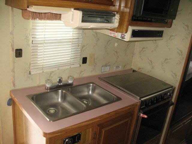 USED 1989 HONEY HONEY 26 - Overview   Berryland Campers